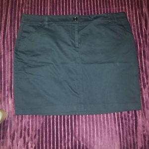 Size 18 mini skirt black rickis